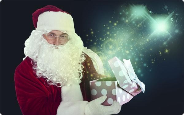 サンタの格好をしたマジシャン