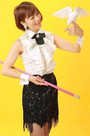 マジシャン派遣ランドから出張派遣できるマジシャン Hitomi